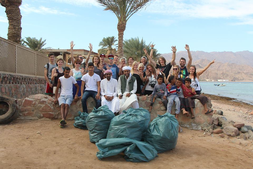 beach-clean-up-dahab